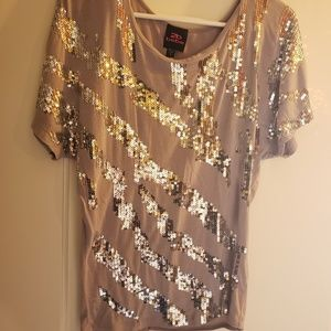 2Bbebe size small gray shirt with silver sequins